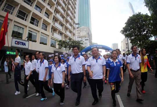 Tưng bừng ngày hội ủng hộ SEA Games 29 - Ảnh 5.
