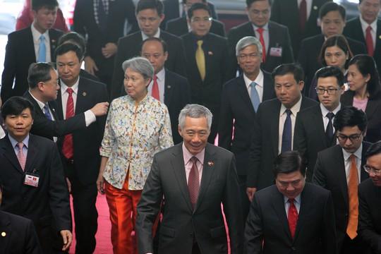 Thủ tướng Lý cùng phu nhân đến Hội trường Thống Nhất trưa 21-3