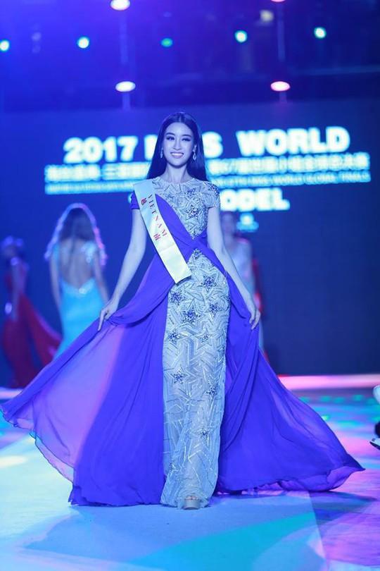 Hoa hậu Đỗ Mỹ Linh lọt tốp 20 Người đẹp nhân ái - Ảnh 4.