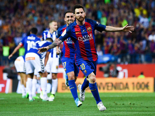 Messi từng muốn rời Barcelona sau khi nhận án trốn thuế - Ảnh 1.