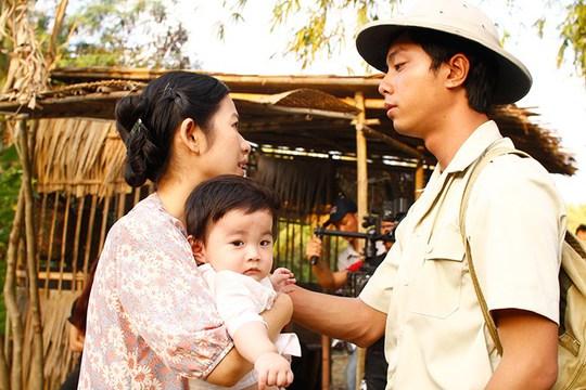 Ông Tư (thời trẻ) và vợ con