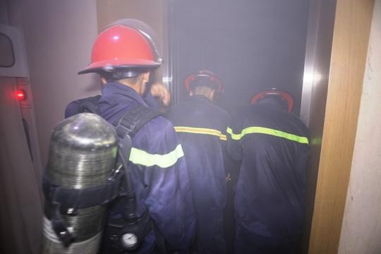 Cháy khách sạn lúc nửa đêm, hơn 230 du khách phát hoảng - Ảnh 1.