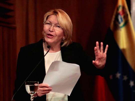 Bị sa thải, tổng công tố Venezuela không rời ghế - Ảnh 1.