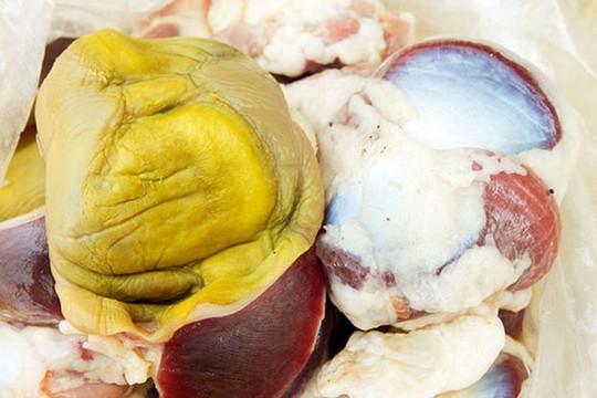 Bảo bối trong bụng gà tốt như đông trùng hạ thảo - Ảnh 1.
