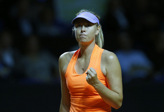 Sharapova có ngày tái xuất khá thành công nhưng không dễ để đồng nghiệp đón nhận cô Ảnh: REUTRES