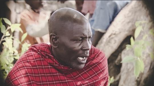 """""""Người Masai chúng tôi thường dẫn đàn gia súc đi rất xa, để tìm kiếm nước và thức ăn. Có những chuyến đi kéo dài hàng tháng trời nhưng hàng trăm năm qua chúng tôi chỉ mang theo 1 cây gậy và một con dao ngắn"""", ông Joseph Leizer, Trưởng làng Ormelili, Kilimanjaro (Tanzania)."""