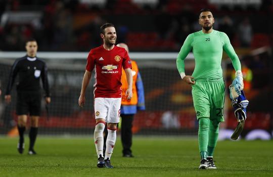 Mata và Romero là người hùng trận đấu khi đưa M.U vào tứ kết Europa League