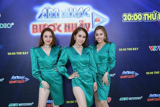 Ưng Hoàng Phúc làm minishow trên sóng truyền hình - Ảnh 4.