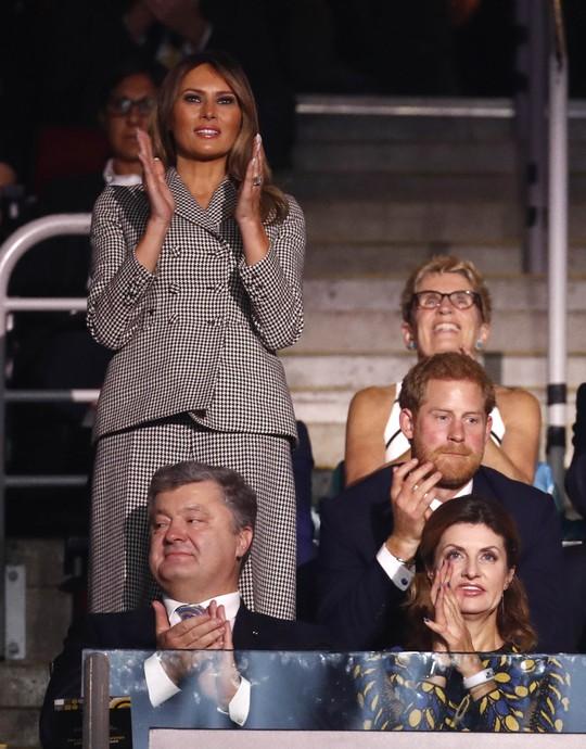 Công du một mình, bà Melania gặp Hoàng tử Harry và Thủ tướng Canada - Ảnh 9.