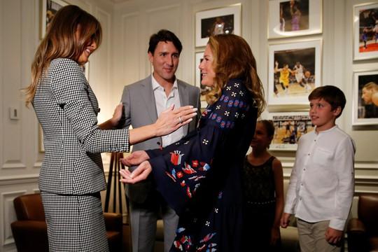 Công du một mình, bà Melania gặp Hoàng tử Harry và Thủ tướng Canada - Ảnh 6.