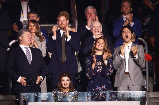 Công du một mình, bà Melania gặp Hoàng tử Harry và Thủ tướng Canada - Ảnh 10.