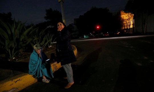 Động đất cấp độ 8 gần Mexico, cảnh báo sóng thần 8 nước - Ảnh 3.