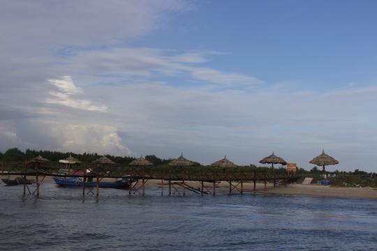 Nếu muốn đi bộ hít thở không khí trong lành hay tham gia các hoạt động ngoại khóa thì Homestay Marina là sự lựa chọn tốt nhất. Đây được ví như ốc đảo giữa sông bởi chỉ có duy nhất một hộ dân sinh sống.
