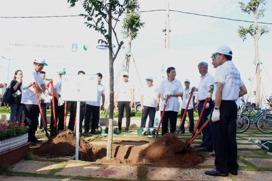 Thứ trưởng Bộ TN-MT lo Việt Nam thành... bãi rác! - Ảnh 2.