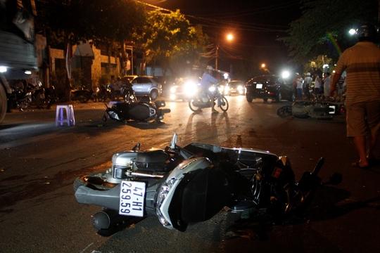 Hiện trường vụ tai nạn làm 8 người bị thương