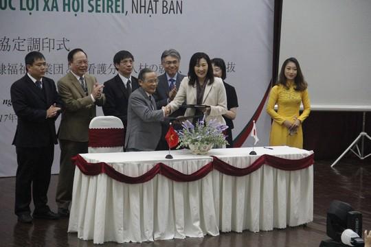 ĐH Duy Tân đào tạo sinh viên ngành điều dưỡng ở Nhật - Ảnh 1.