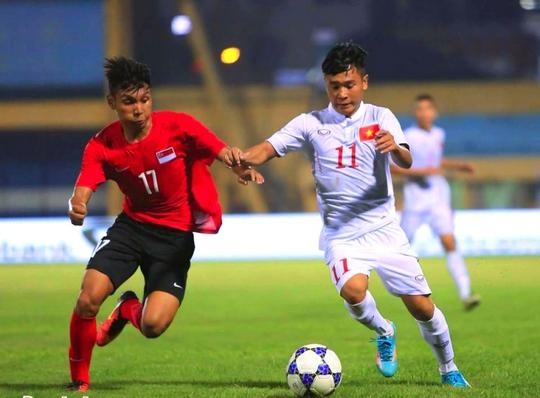 Minh Dĩ là cầu thủ trưởng thành từ lò PVF và được nhiều người yêu mến bởi lối chơi lắt léo, mang bóng dáng thần tượng Thành Lương