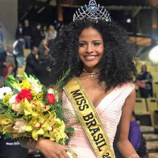 Cận cảnh nhan sắc Tân Hoa hậu Brazil - Ảnh 1.