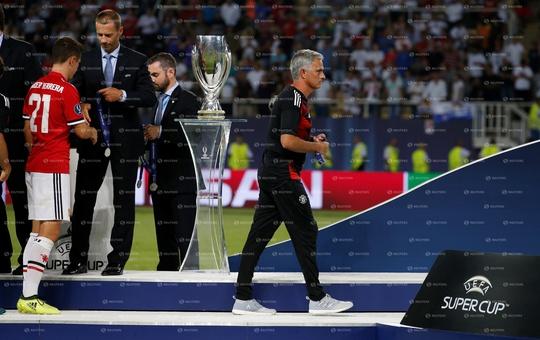 Clip Real Madrid đánh bại M.U, giành Siêu cúp châu Âu - Ảnh 3.