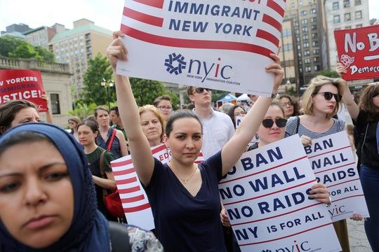 Mỹ đòi hỏi quá nhiều để cấp visa - Ảnh 1.