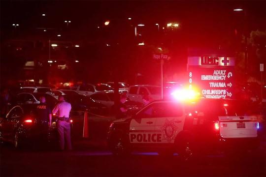 Vụ thảm sát Las Vegas: Bí ẩn kẻ xả súng da trắng và bạn gái gốc Á - Ảnh 4.