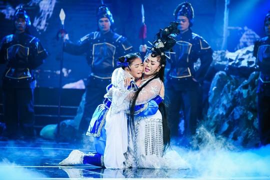 Thanh Bạch nghẹn ngào vì cô bé 11 tuổi Ngọc Tâm - Ảnh 2.