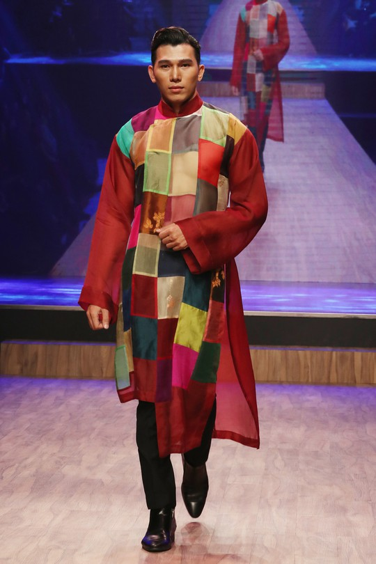 Chim công làng múa Linh Nga xuất hiện sau vụ kiện - Ảnh 10.
