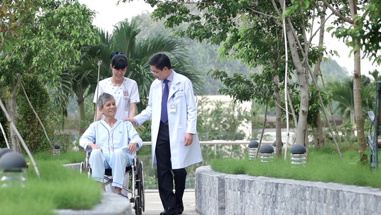 Ngày hội khám bệnh miễn phí người cao tuổi - Ảnh 1.