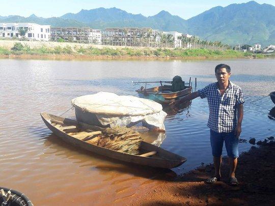 Sông Cu Đê tiếp tục đục ngầu kèm theo hiện tượng cá chết - Ảnh 2.
