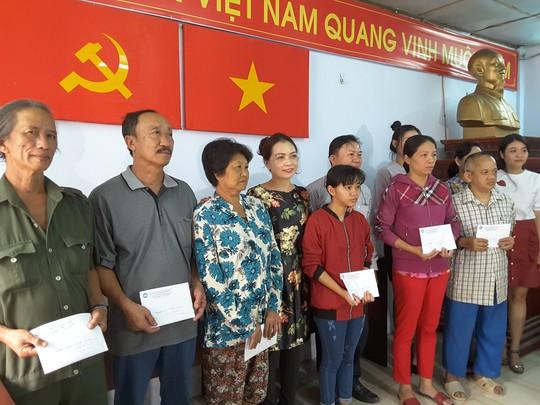 VWS chia sẻ gánh nặng với người nghèo ở Đa Phước - Ảnh 1.