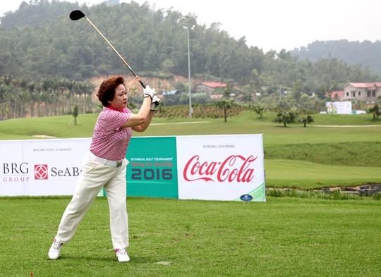 Nở rộ dịch vụ cao cấp dành cho golf thủ Việt Nam - Ảnh 1.