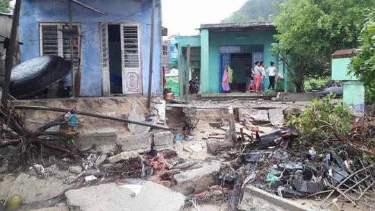 Đà Nẵng: Kè biển sạt lở, 54 nhà dân có nguy cơ bị cuốn trôi - Ảnh 3.