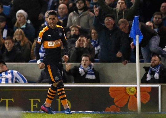 Perez, người ấn định chiến thắng 2-1 cho Newcastle trước Brighton
