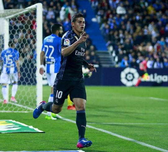 Rodriguez ghi bàn trong trận Real thắng đậm Leganes 4-2 nhưng vẫn bị HLV Zidane thay ra