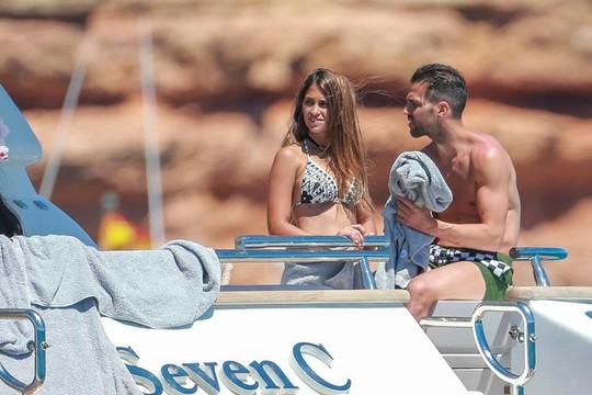 Gia đình Messi, Suarez, Fabregas họp mặt trên đảo - Ảnh 11.