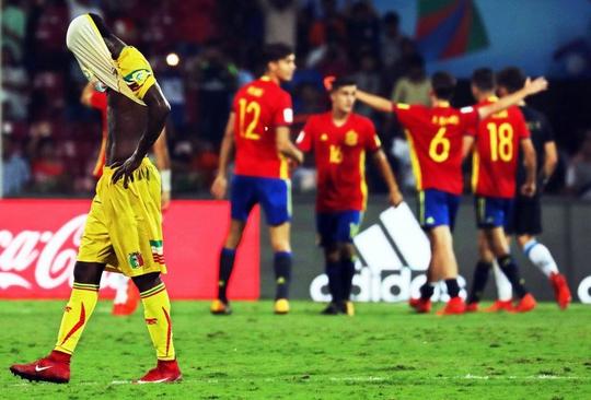 Nỗi đau của Lampard và tuyển Anh tái hiện ở World Cup U17 - Ảnh 1.