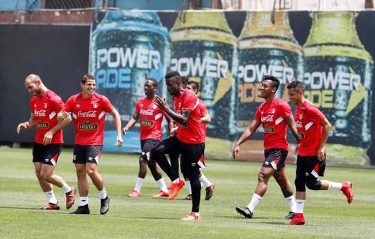 Tuyển New Zealand bị yểm bùa trước trận play-off Peru - Ảnh 7.