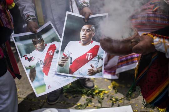 Tuyển New Zealand bị yểm bùa trước trận play-off Peru - Ảnh 2.