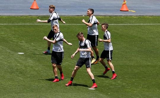 Tuyển New Zealand bị yểm bùa trước trận play-off Peru - Ảnh 6.
