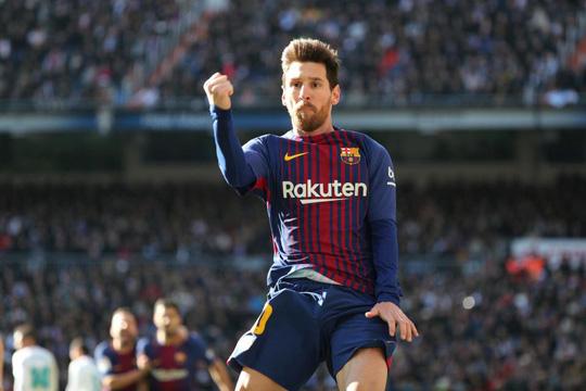 Hành động đẹp của Messi với Ronaldo ở El Clasico - Ảnh 2.