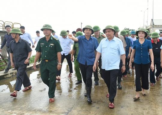 Thủ tướng Nguyễn Xuân Phúc: Bằng mọi biện pháp tổ chức cứu trợ, không để dân bị đói, rét - Ảnh 1.