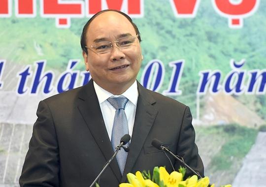 Thủ tướng Nguyễn Xuân Phúc phát biểu chỉ đạo một hội nghị tổng kết công tác năm 2016 và triển khai nhiệm vụ năm 2017 - Ảnh: Quang Hiếu