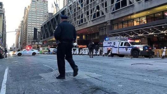 Nổ lớn ở New York, người dân cuống cuồng sơ tán - Ảnh 3.