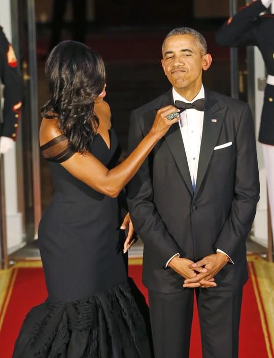 Ông Obama mặc một bộ vest suốt 8 năm - Ảnh 2.