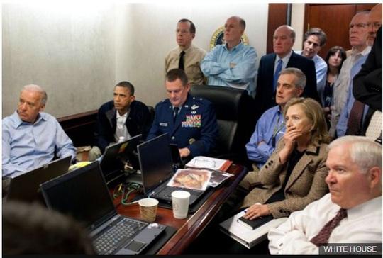 Bức ảnh họp chiến sự đáng nhớ được chụp năm 2011, khi Tổng thống Obama và nội các theo dõi chiến dịch tiêu diệt Bin Laden. Ảnh: Nhà Trắng