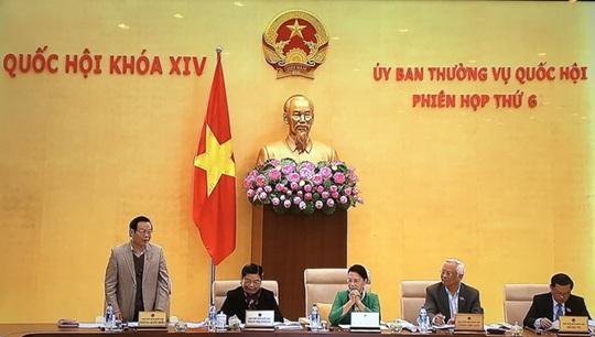Phó chủ tịch QH Phùng Quốc Hiển phát biểu