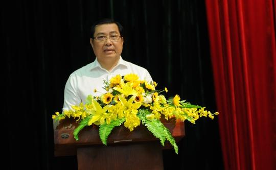 Chủ tịch TP Đà Nẵng Huỳnh Đức Thơ: Đừng lo chuyện ông mô đi, ông mô ở - Ảnh 1.