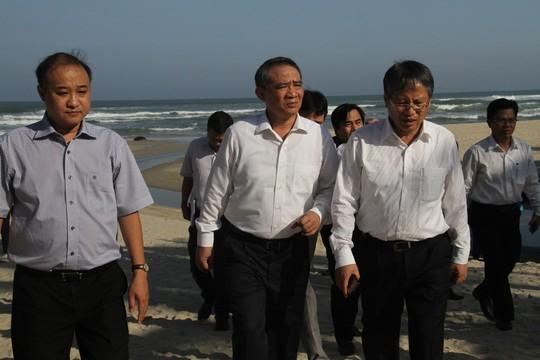 Bí thư Đà Nẵng: Bằng mọi giá phải giữ cho được bãi biển sạch, đẹp - Ảnh 1.