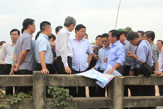 Bí thư Thành ủy TP HCM Đinh La Thăng cùng lãnh đạo TP kiểm tra thực tế