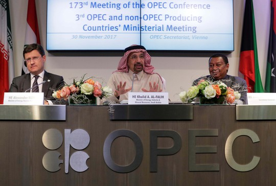 Ai đắc lợi từ thỏa thuận OPEC - Nga? - Ảnh 1.